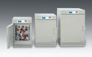 ZXGP-A2080(原ZGP-A2080A) 曲線控制十段編程隔水恒溫箱