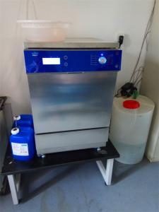 實驗室洗瓶機影響玻璃器皿清洗效果